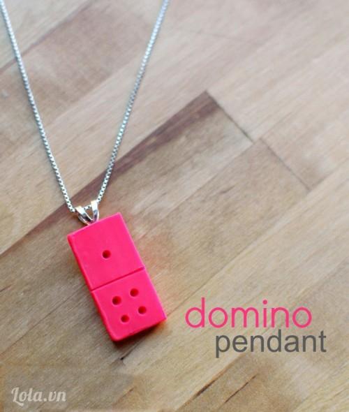 Làm dây chuyền sáp  hình domino