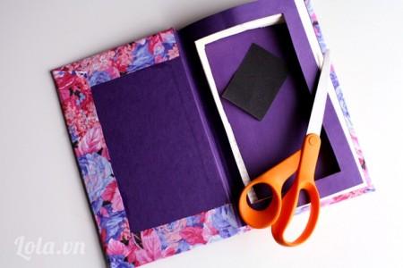 Tiếp tục cắt cho hết trang như hình, bạn có thể dùng giấy nhám để xóa bớt các điểm thô và giấy vụn khi cắt ở các góc cạnh