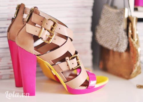 Thay mới giày cũ