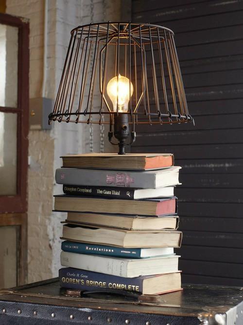 Tận dụng sách cũ làm đồ trang trí nhà
