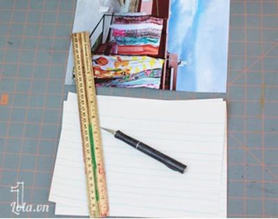 cắt giấy nội dung nhỏ hơn giấy bìa khoảng 1.2 cm