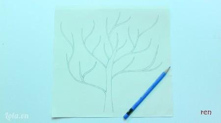 Dùng bút chì vẽ hình cái cây lên giấy cứng