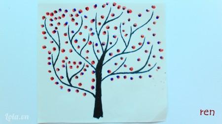 Vẽ những hình tròn màu xanh nhỏ hơn lên hình tròn đỏ