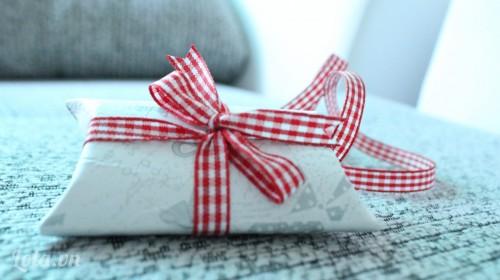 Hộp quà từ lõi khăn giấy