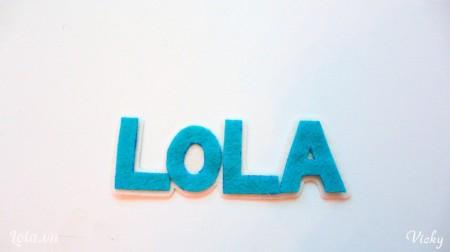 Cắt các chữ bằng vải nỉ mà bạn thích nhé!