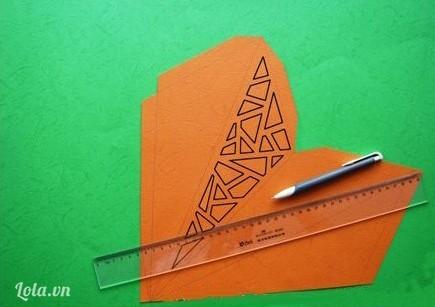 Vẽ các hình khối hoa văn như hình.