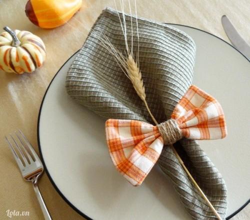 Nơ xinh trang trí khăn ăn