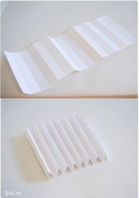 Xếp nữa tờ giấy theo dạng đàn xếp