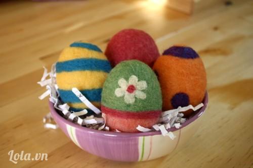 Chọc len hình quả trứng mừng lễ phục sinh
