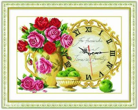 Mẫu tranh thêu chữ thập đồng hồ