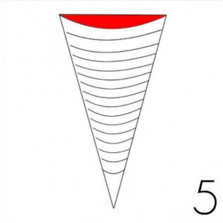 Dùng bút vẽ các đường cong đều bằng nhau như hình vẽ.