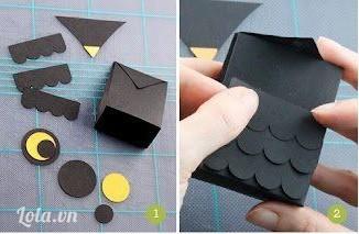 Cắt giấy màu đen và vàng thành những mảnh nhỏ như trong hình. Tiếp theo, gắn các miếng dài hình vây các lên miếng giấy hình vuông để làm thân cú