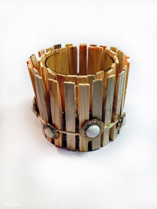 Trang trí ly nến bằng kẹp gỗ