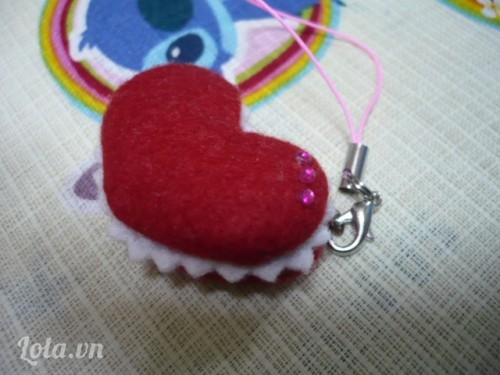 Làm móc chìa khóa bánh trái tim Macaro