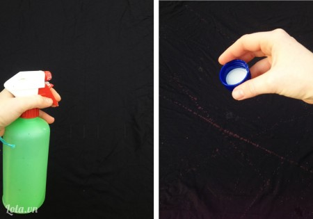 Phun thuốc tẩy và rắc nhẹ thuốc tẩy quần áo lên chiếc khăn