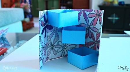 Tương tự với chiếc hộp thứ 3.