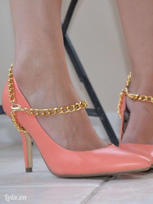 Thêm họa tiết cổ điển cho giày