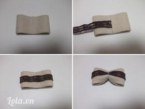 Gấp 2 đầu của vải dạ trùng khít rồi dán lại bằng băng dính 2 mặt. Làm tương tự với ren lưới đặt ở vị trí giữa vải dạ. Buộc chặt ở giữa bằng sợi chỉ để tạo hình chiếc nơ.