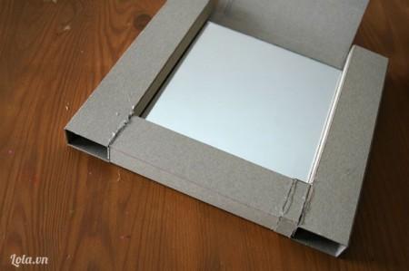 Ghép giấy carton tạo thành khung