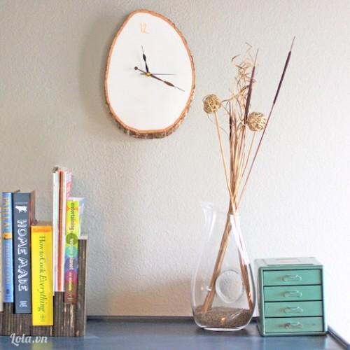 Đồng hồ treo tường bằng gỗ