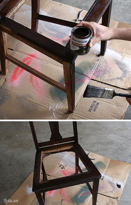 Bạn lau sạch khung ghế và sơn chúng lại theo màu  yêu thích của bạn