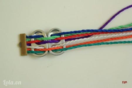 Luồn dây ngược thứ tự với bước 2