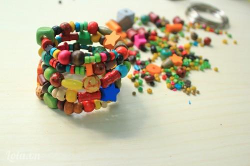 Làm vòng xoắn đầy màu sắc