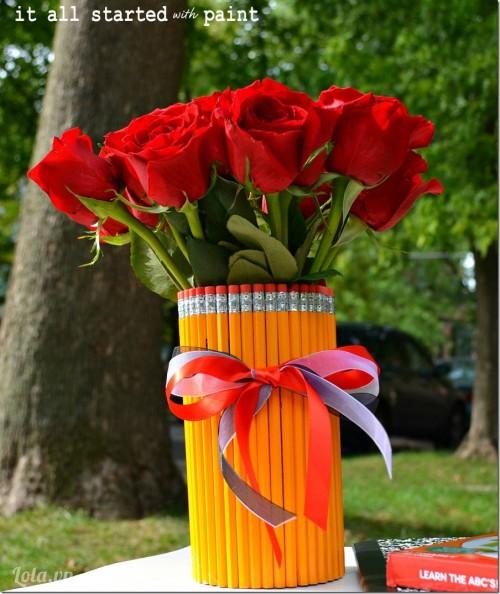 Lạ mắt với bình hoa làm từ bút chì