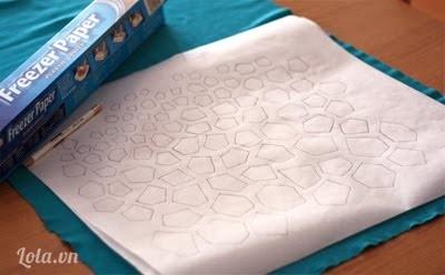 Bạn vẽ mẫu cần in lên giấy