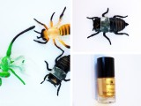 Cài áo tinh nghịch với côn trùng