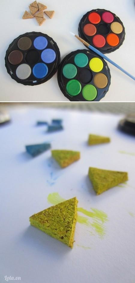 Sau đó bạn tô màu lên từng miếng tam giác đó chỉ cần tô một lớp mỏng rồi đợi cho sản phẩm khô