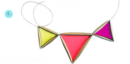 Xâu chuỗi các mặt hình tam giác lại với nhau là ta đã được một sản phẩm ưng ý rồi