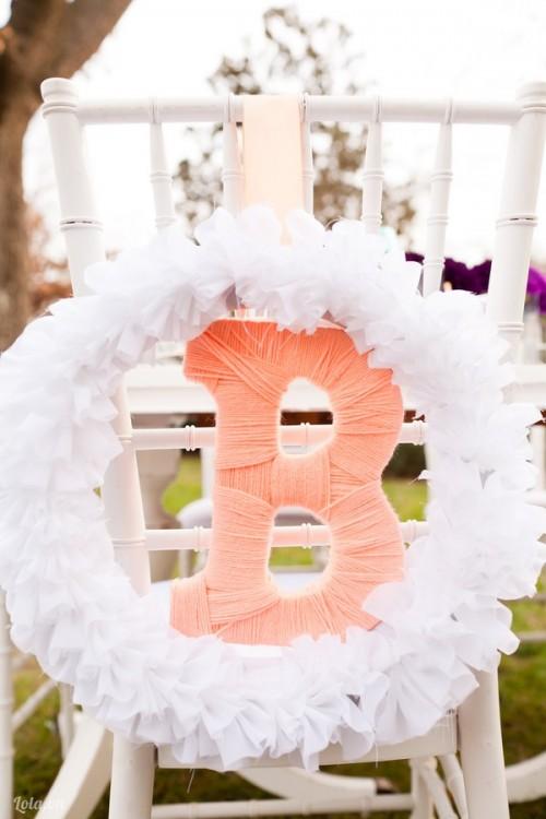 Làm vòng hoa ngày cưới theo tên bạn