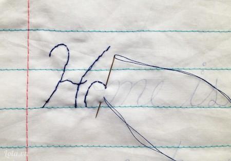 Khâu màu chỉ yêu thích của bạn lên theo dòng chữ bạn vừa viết. Cuối cùng bạn sẽ được một lời yêu thương không bao giờ mất rồi
