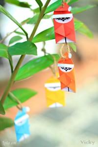 Làm thêm nhiều màu khác nhau để trang trí cho cây thông thì cute lắm lun ý