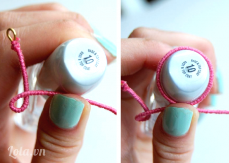 Với chữ O bạn dùng sợi dây, bạn quấn dây xung quanh nắp chai hoặc đế của chai sơn móng