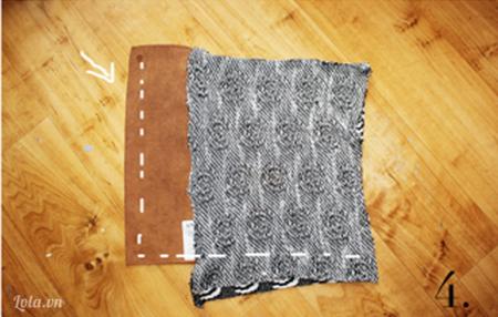 Tiếp đến là bạn may nối các mảnh vải len với các miếng da như trong hình, nhớ canh và chỉnh thật đều vào các góc cạnh.